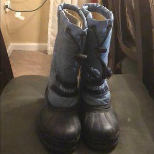 Kamik snow boots size 2